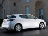 With its sleek lines and dramatic curves, the Lexus CT 200h looks fantastic from many angles.