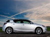Because it shares the same engine as its Prius cousin, the Lexus CT 200h benefits from jaw-dropping fuel economy: 4.5-L/100 km in the city and 4.8-L/100 km on the highway.
