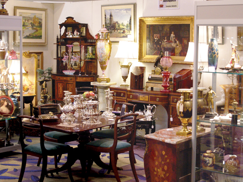 The Premier Antique Show Offers Decorative Arts Lamps Fine China And